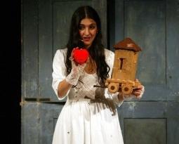 In viaggio, storie in valigia di e con Elisabetta Salvatori Violino e chitarra, Matteo Ceramelli