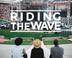 "MuSA ospita la proiezione prima del documentario ""RIDING THE WAVE"""